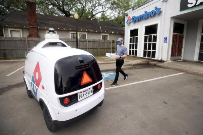 Nuro自主送货机器人将在休斯敦开始帮助Domino's配送披萨