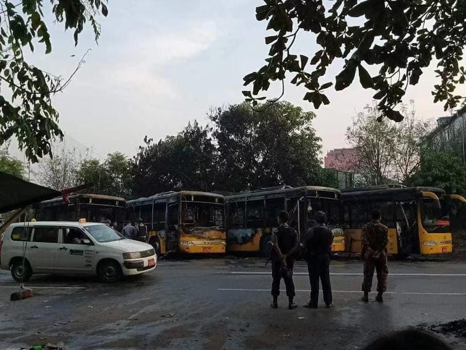 缅甸仰光5辆公交车起火 事故原因仍在调查