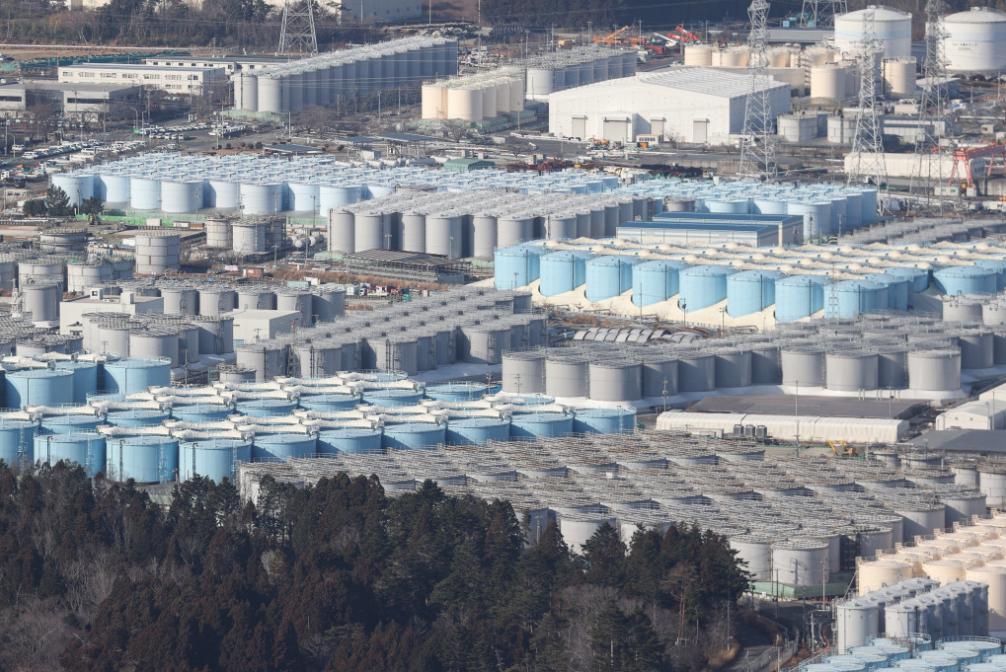 日本福岛核电站,储藏核污水的储水罐(资料图)
