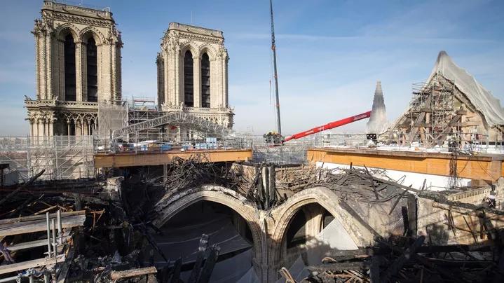 巴黎圣母院火灾两周年 马克龙重申在2024年完成重建
