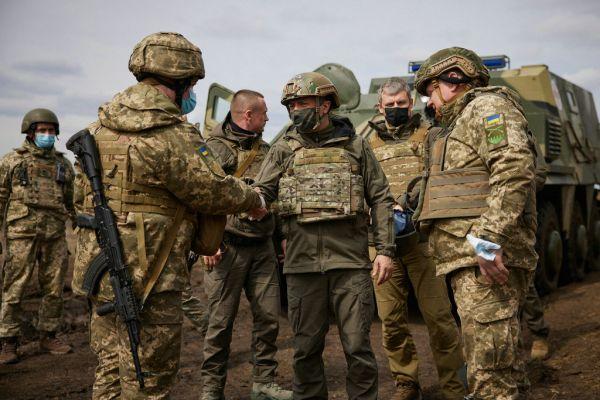 外媒:俄十万大军压向乌克兰边境