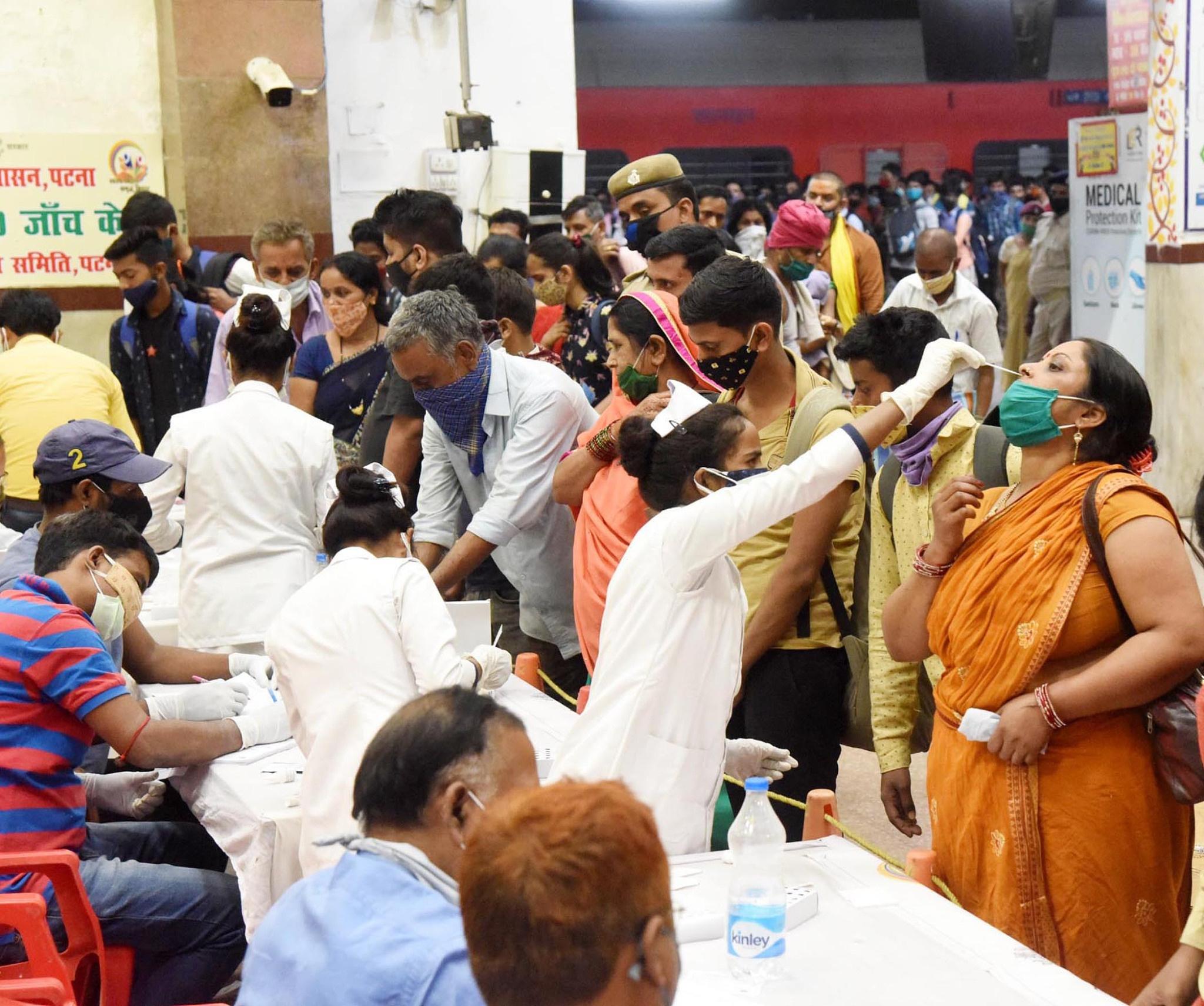 印度首都新德里新增病例飆升 醫療資源短缺