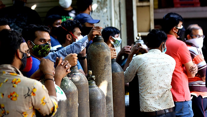 医院和火葬场不堪重负的印度 为何股市还能不断上涨?