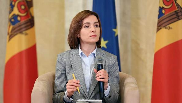 摩尔多瓦总统桑杜宣布解散议会