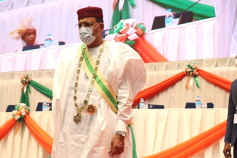 △4月2日,穆罕默德·巴祖姆宣誓就任新一届尼日尔总统(图片来源:actuniger.com)