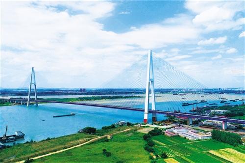 武汉青山长江大桥通车