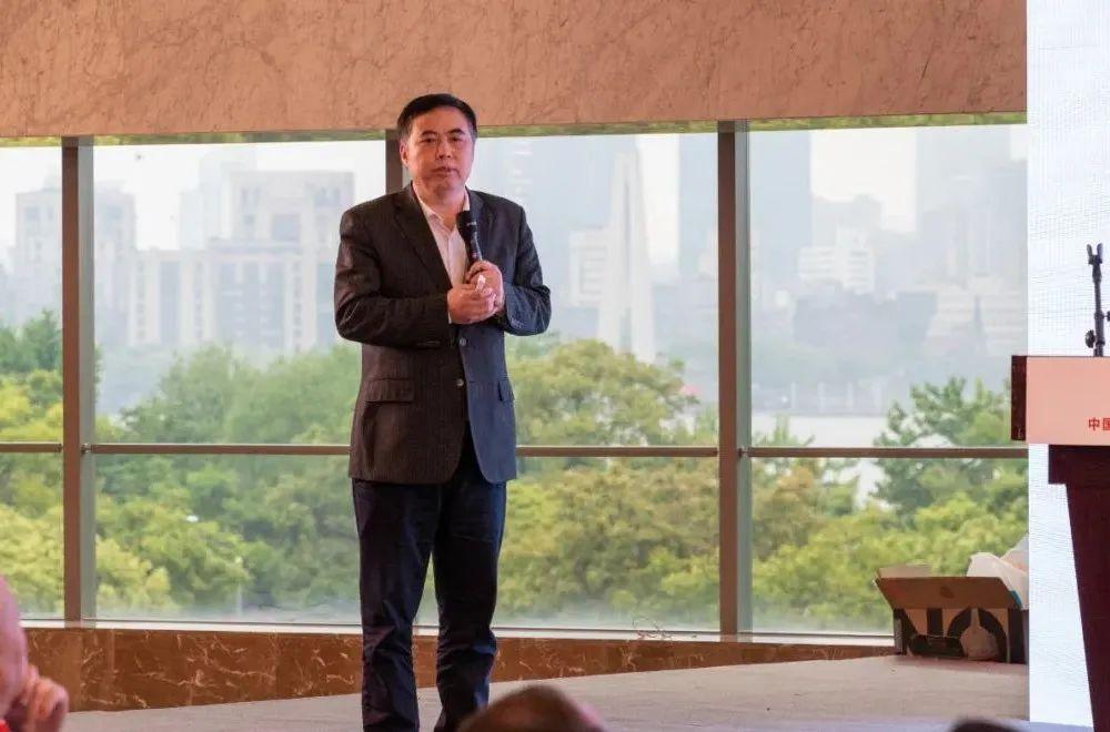 张荣旺:加快低碳能源天然气利用,为实现碳中和争取时间