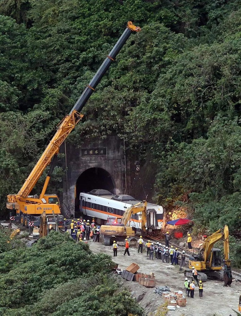 台铁事故50名罹难者中48人确定身份