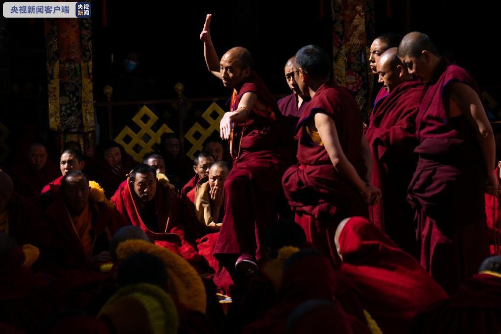 西藏13名僧人获得藏传佛教格鲁派最高学位