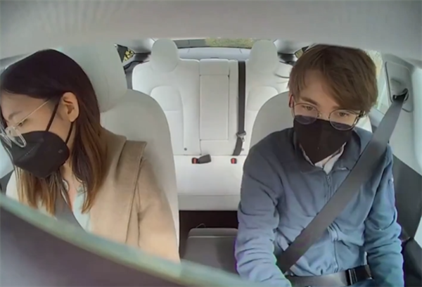 特斯拉车内摄像头视频画面曝光 清晰度远超预期