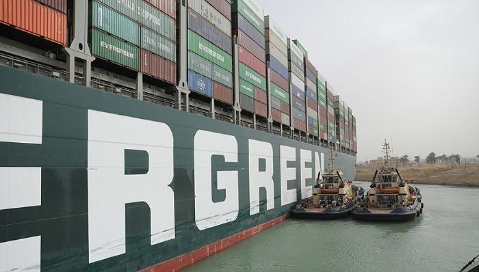 """苏伊士运河""""大堵车""""背后:全球贸易命脉掌握在谁手中?"""