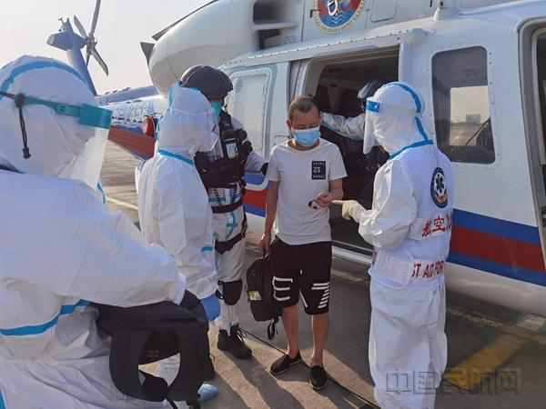 南海渔民意外受伤 三亚机场顺利完成急救保障