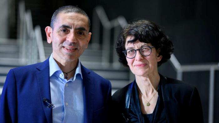 △德国生物新技术公司创始人夫妇乌乌尔·沙欣(左)和厄兹莱姆·图雷吉 图片来源:路透社