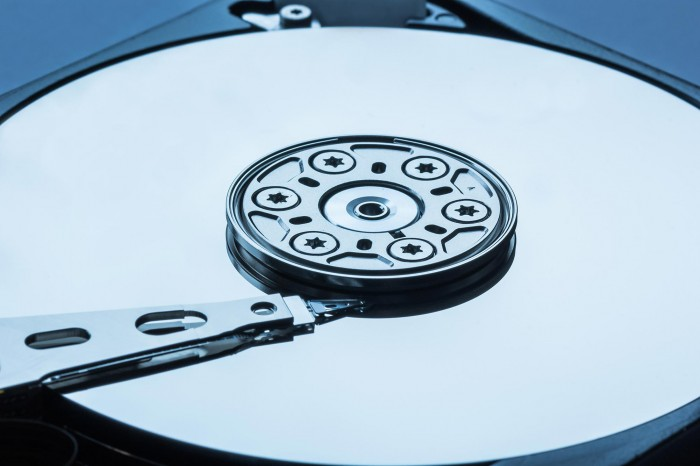物理学家发现开启和关闭反铁磁性新方法 将导致更快更安全存储设备