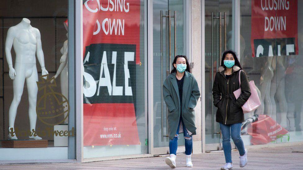 记者观察丨英国经济今年一季度萎缩1.5% 管控放松经济复苏在加快