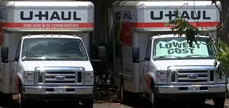 美国男子卡车上钻孔偷油 造成超100升汽油泄漏