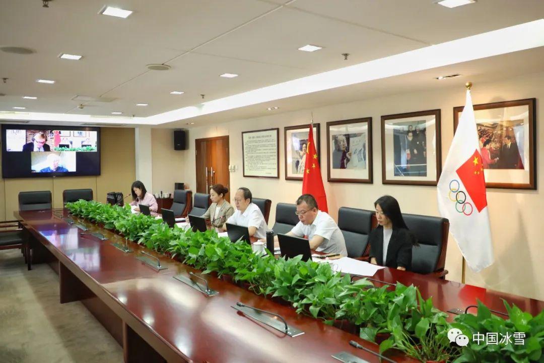 体育总局局长、中国奥委会主席苟仲文视频会见国际滑冰联盟主席杨·迪克玛