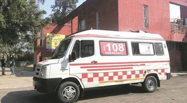 惨!印度一名女子被医护人员用食物骗上救护车遭轮奸