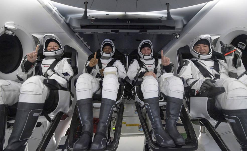 搭乘龙飞船返回地球的4名宇航员 图自NASA网站