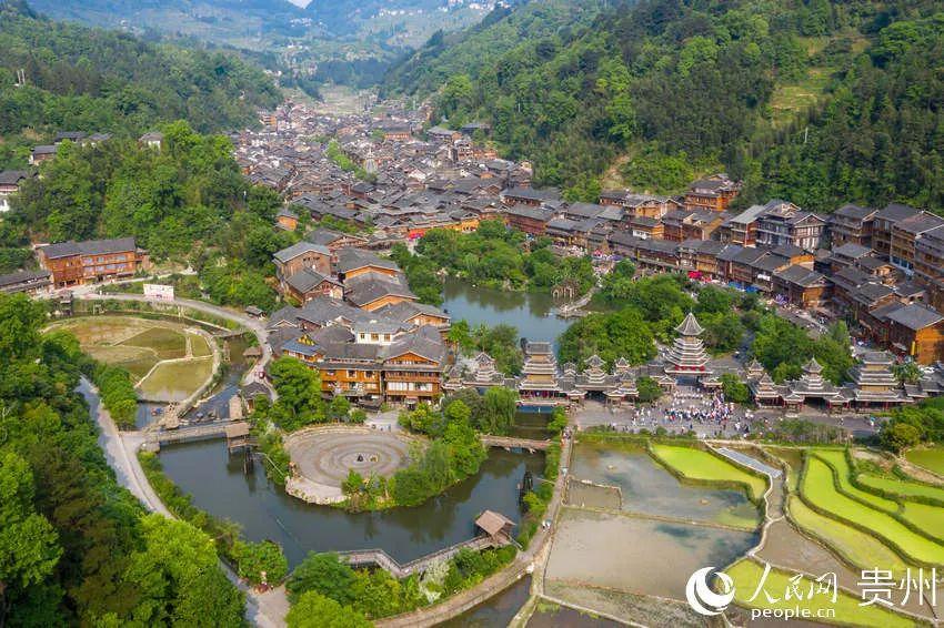 航拍贵州黎平县肇兴侗寨。人民网涂敏摄