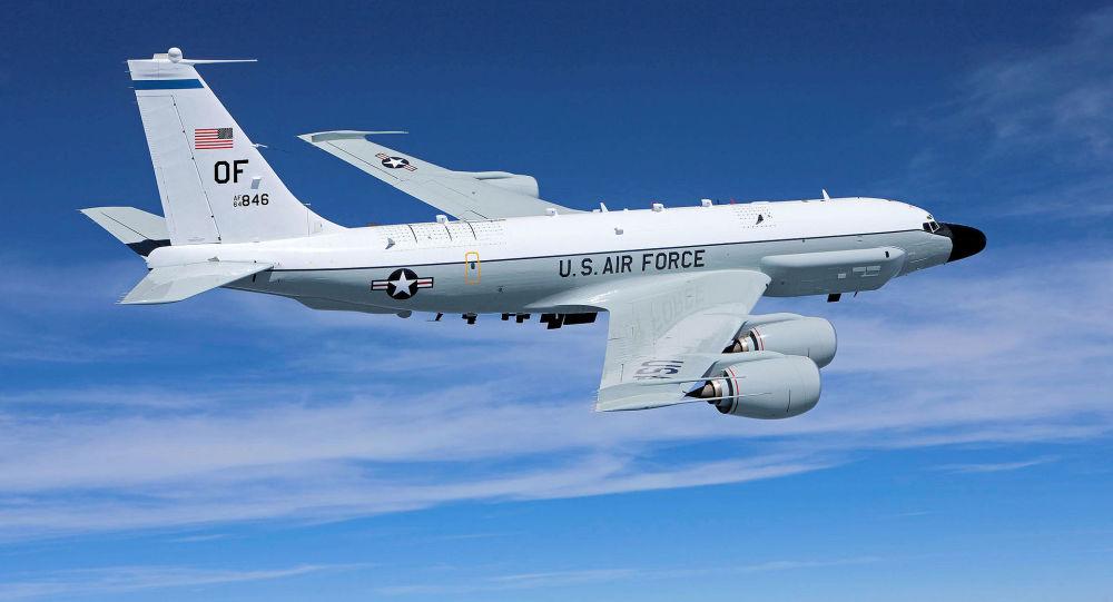 美军电子侦察机抵近俄罗斯国界 俄军米格31战机升空伴飞