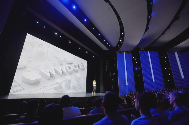 苹果询问开发者是否会在两年的线上会议之后回归线下WWDC