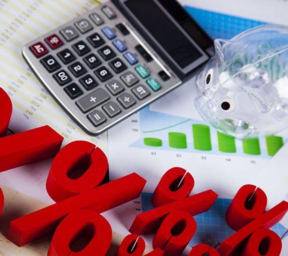 基金主题板块近一年涨跌幅分化:白酒板块涨167.57% 国产软件跌3.21%