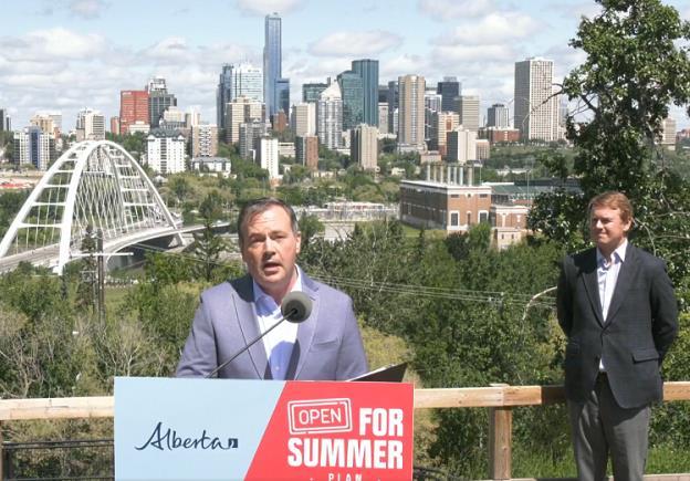 加拿大艾伯塔省率先宣布解除绝大多数防疫限制措施