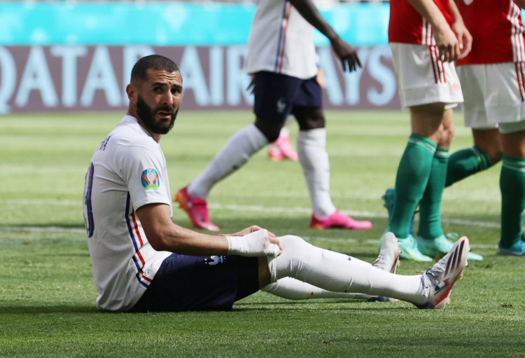 格子:本泽马对法国进攻帮助很大,一旦破门进球就会源源不断