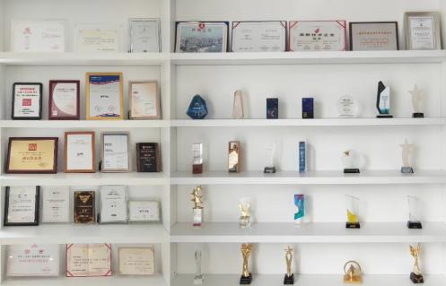 食亨荣获2021零售行业技术新锐企业奖项