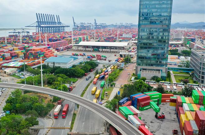 深圳盐田港逐步恢复产能 欧美业者仍担心圣诞购物季