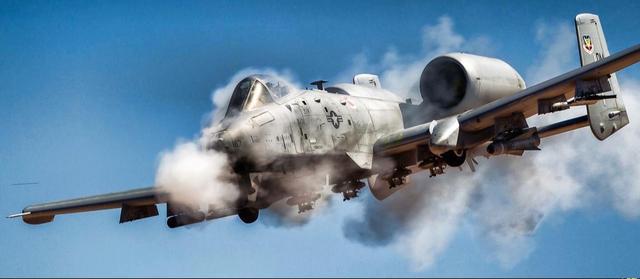 难怪美国空军急着淘汰A-10,美媒:要腾出近千人转向装备五代机