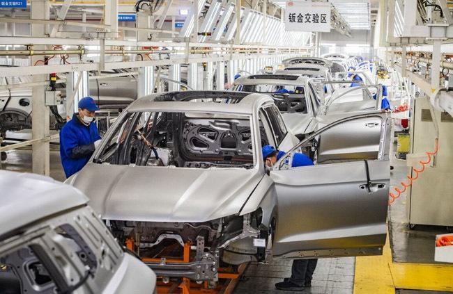 """中汽协叶盛基:2025年中国汽车年产销量或将超过3000万辆 盼出台""""双碳""""目标细化政策"""