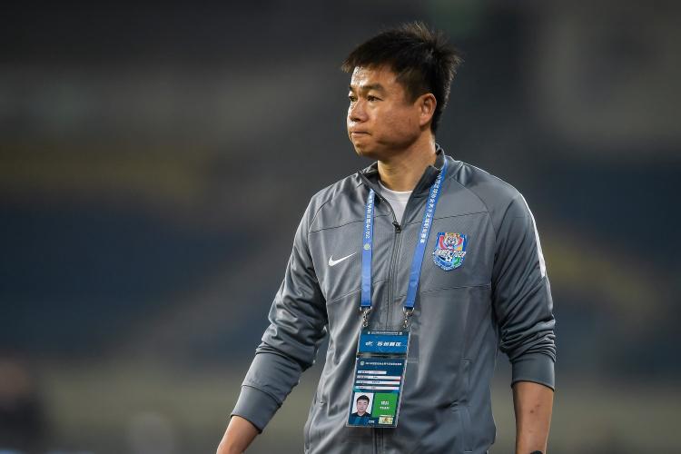 津媒:新体能教练胡里奥主动融入津门虎 于根伟期待大家过得开心