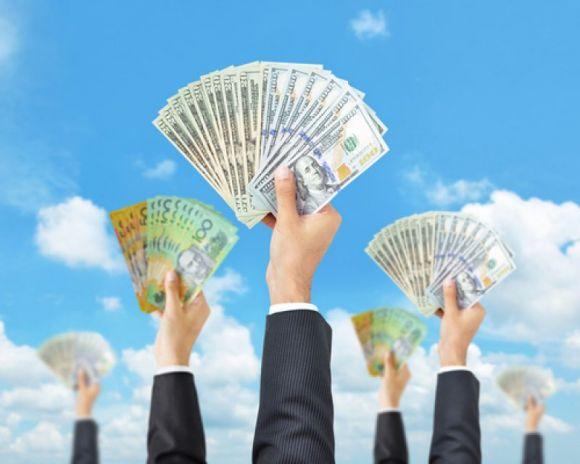 拜登宣布达成初步协议,美股再创历史新高