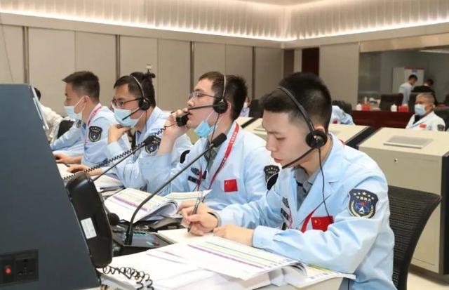 神舟十二号任务直播中,北京航天飞行控制中心的一位小伙子火了