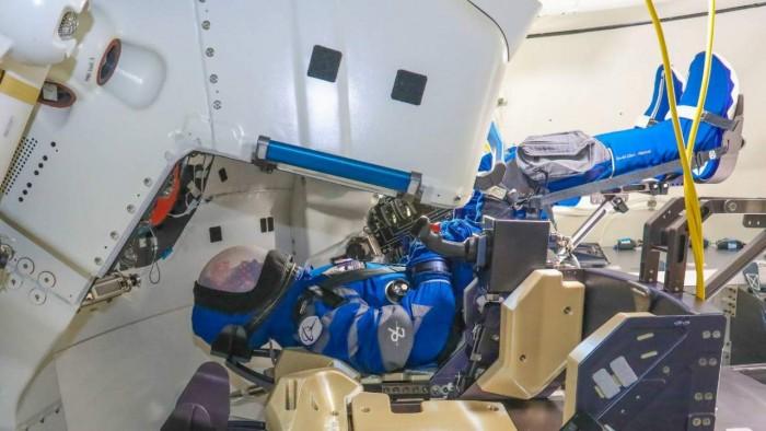波音公司和NASA将在下个月向太空发射假人Rosie