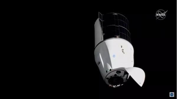 "SpaceX""龙""货运飞船(图源来自网络)"