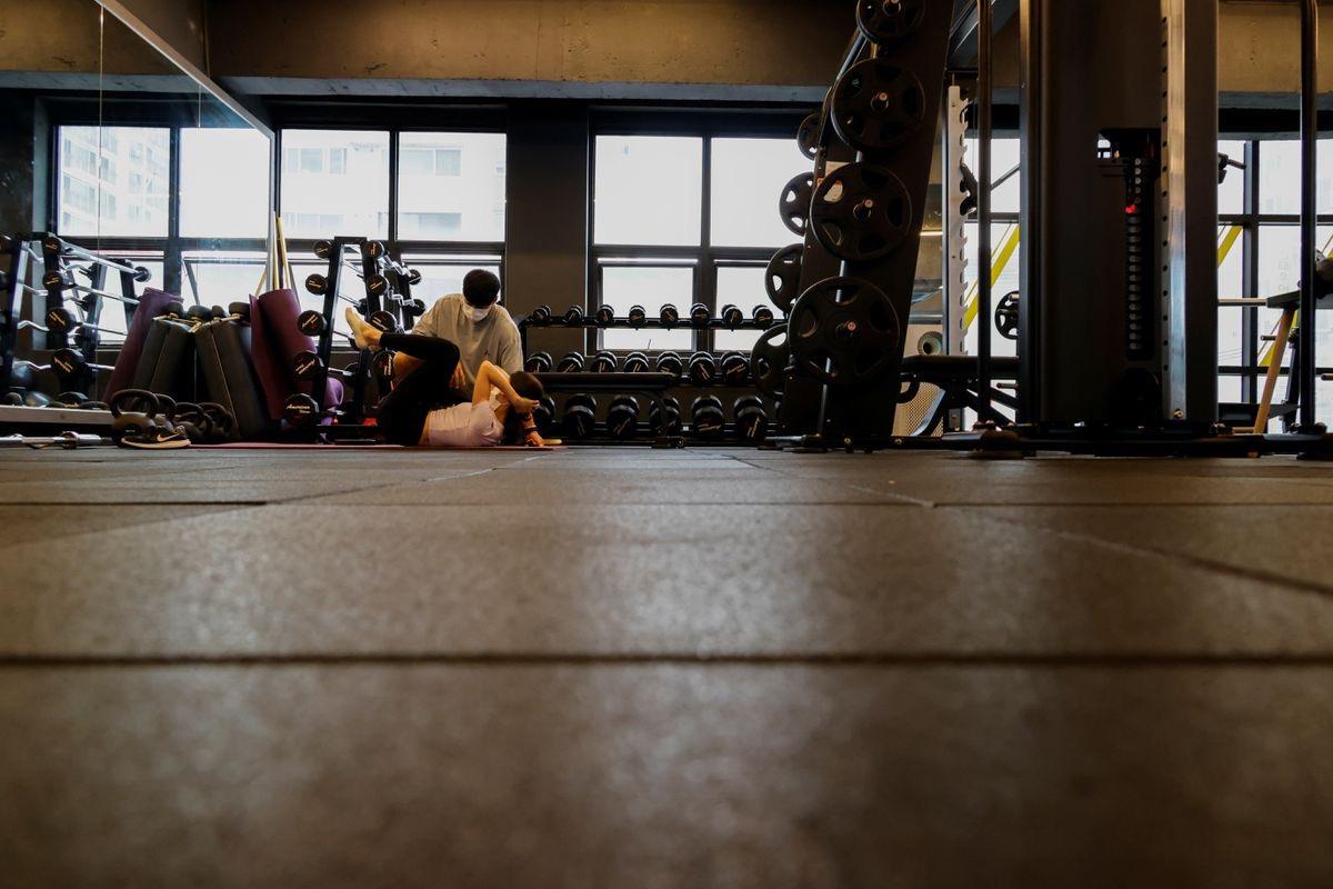 疫情中的首尔某健身房 图源:外媒