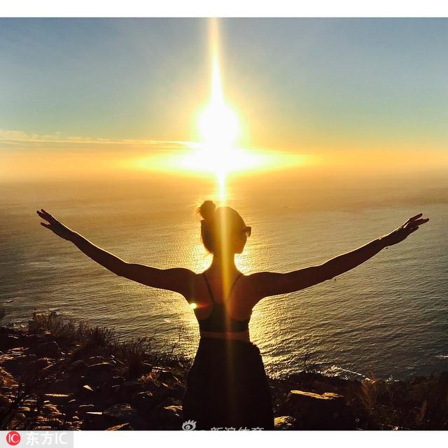 健身女神:瑜伽達人坎蒂絲美照圖片