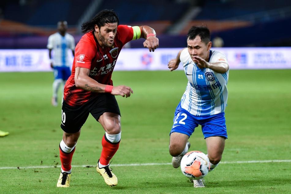飞讯-胡尔克收到8国球队报价 拜仁曾想引中国球员