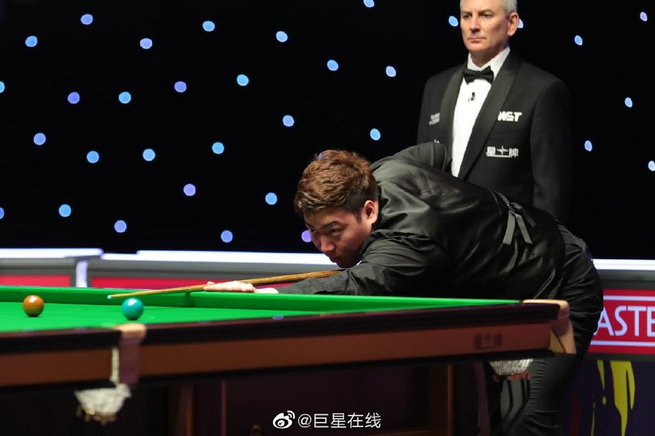 颜丙涛挺进斯诺克大师赛决赛 他说最后一局紧张得发抖!