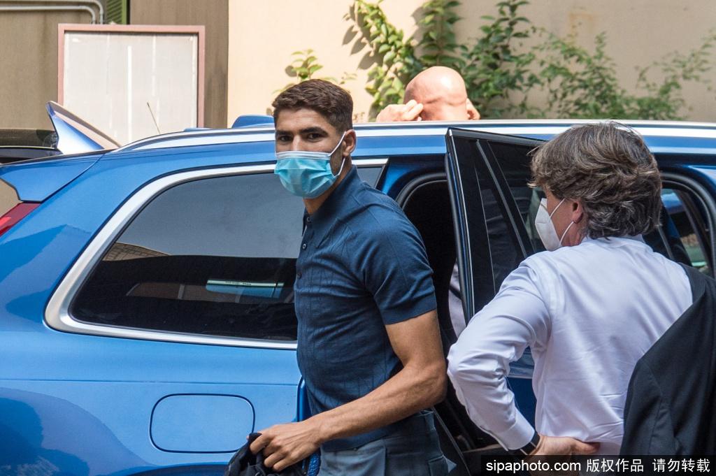 阿什拉夫抵达米兰完成例行体检 即将官宣加盟国际米兰