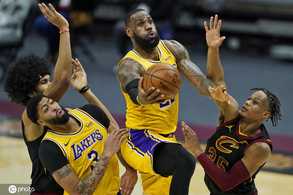 [NBA]湖人115-108骑士 詹姆斯砍46分