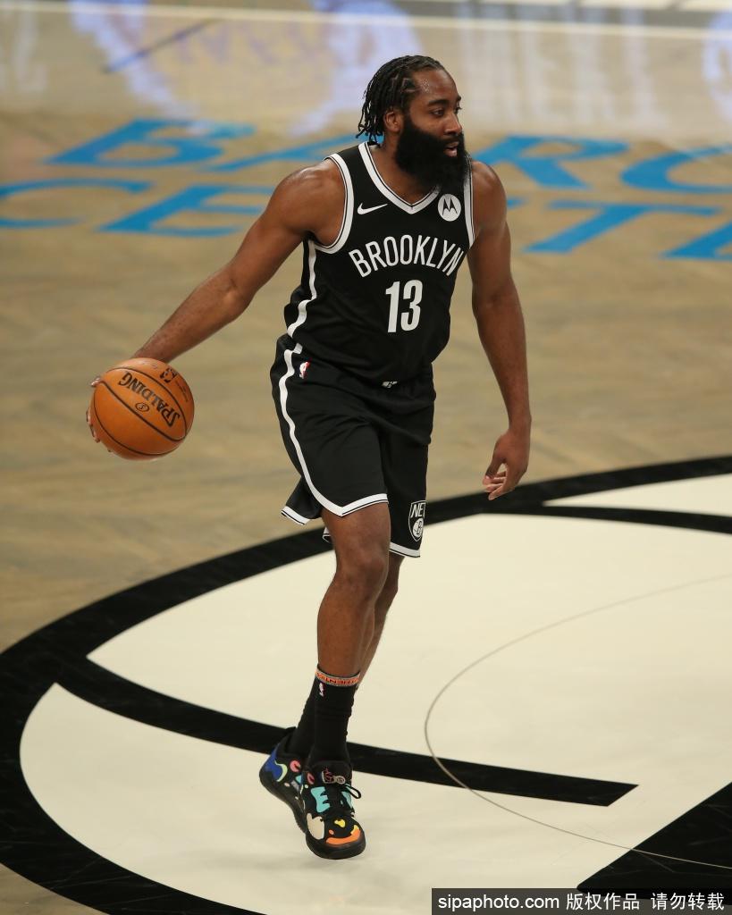 哈登在火箭和篮网的前两场战中均得到30+ 创NBA历史纪录