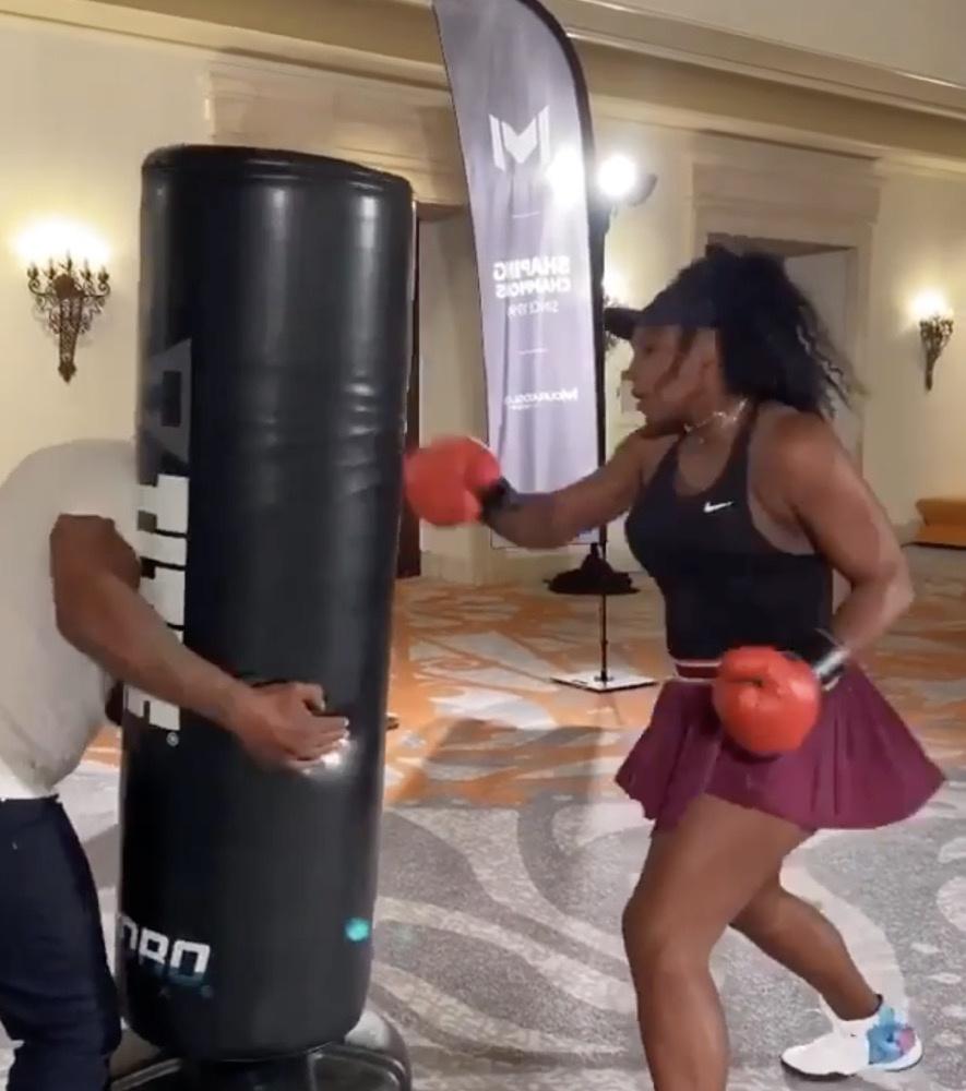 泰森教打拳击是什么感受?小威跟拳王单练沙袋