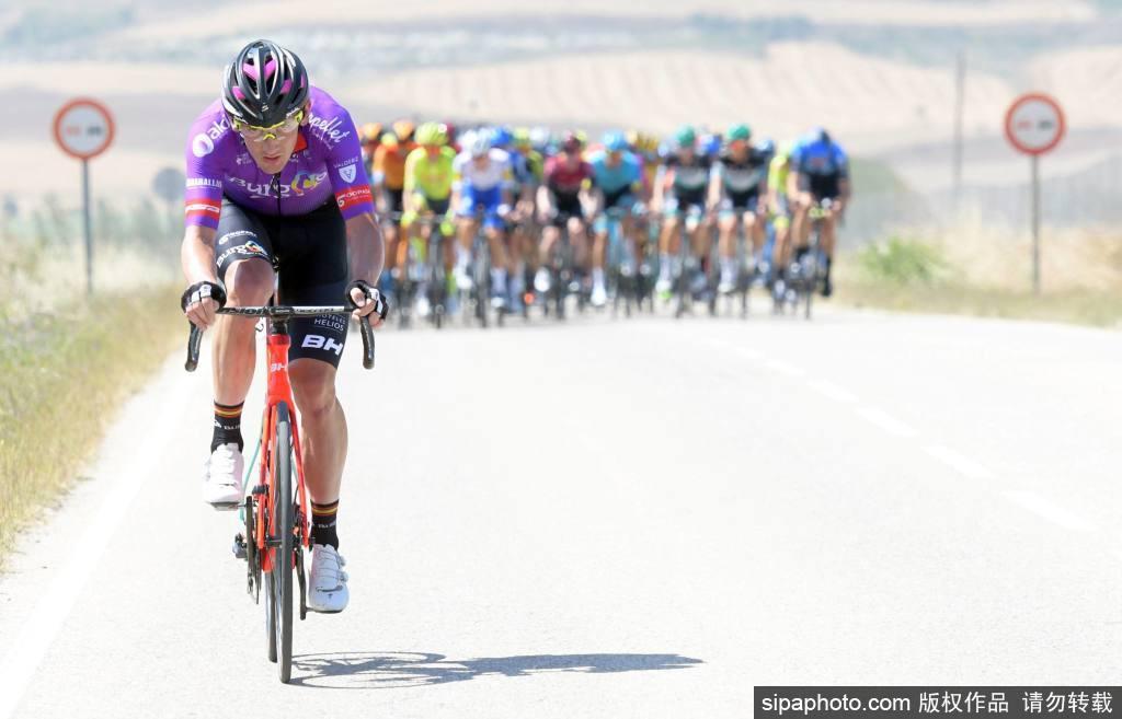 2020年环布尔戈斯自行车赛第一赛段比赛正式开赛