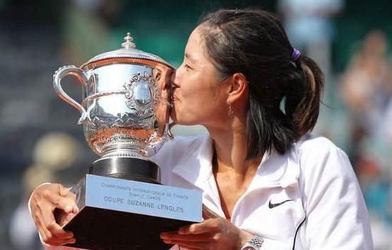 2011年,李娜添冕法网公开赛女单冠军。