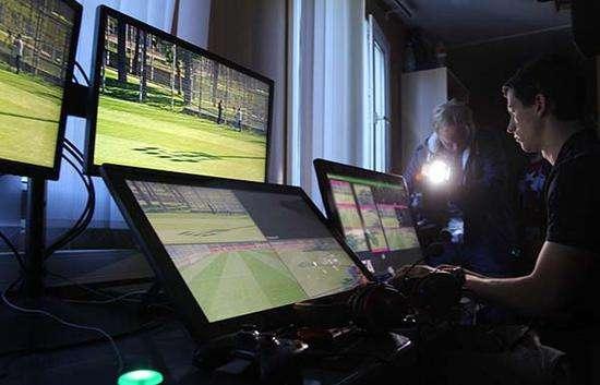 亚足联借给越南VAR设备助其办12强赛 将协助安装