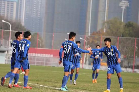 球队通过下昼的调整后,将于明天一早返回南京。